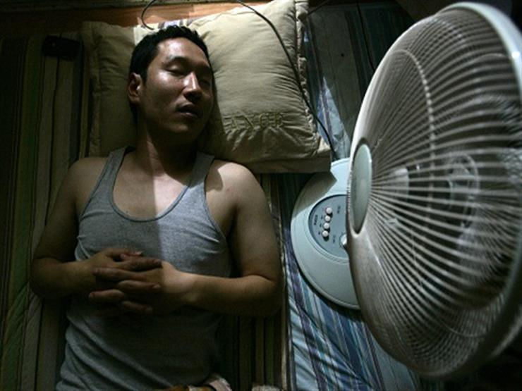 تعرف علي اضرار النوم فى المروحة للجسم