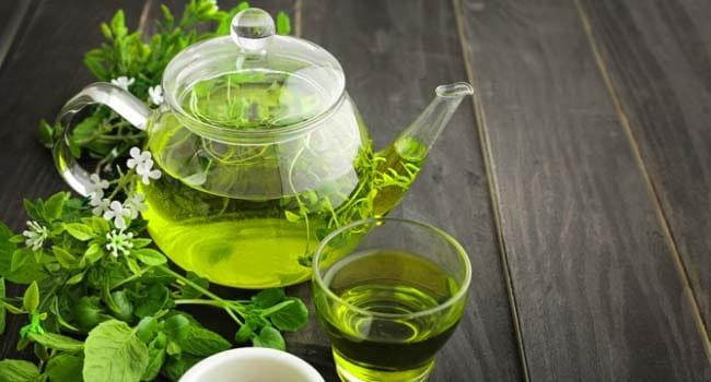 فوائد الشاي الأخضر الصحية والاثار الجانبية