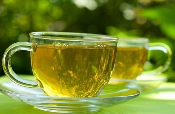 هل كثرة تناول الشاي الأخضر مضر بالصحة