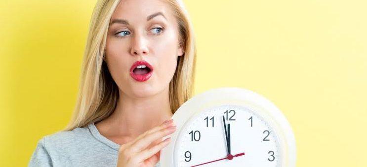اسباب تاخر الدورة الشهرية عند موعدها 14 سبب بإستثناء الحمل