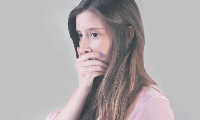 علاج رائحة الفم الكريهة نهائيا