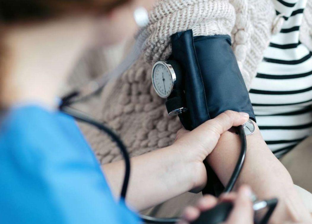 ما هي اسباب ارتفاع ضغط الدم