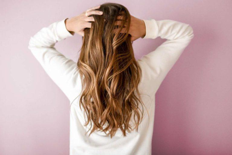 خلطات لتطويل الشعر سهله التحضير في المنزل