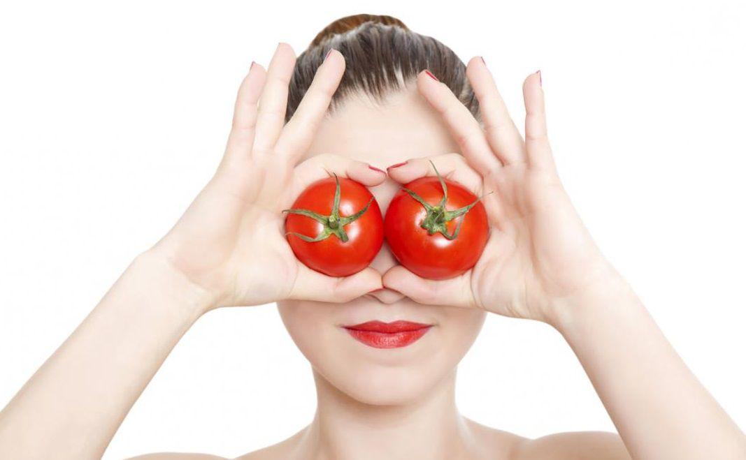 من فوائد الطماطم للعين
