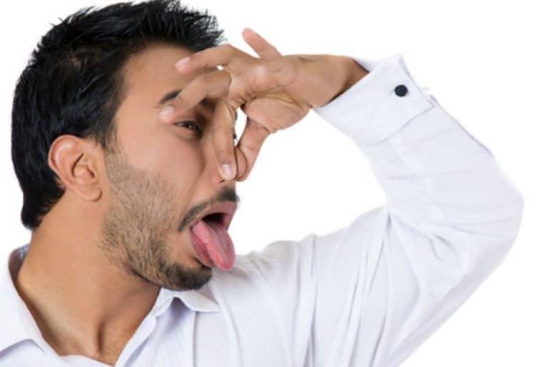 تعرف علي اسباب رائحة الفم الكريهة وعلاجها بابسط الحلول